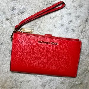 🆕Michael Kors Red Adele Leather Smartphone Wallet
